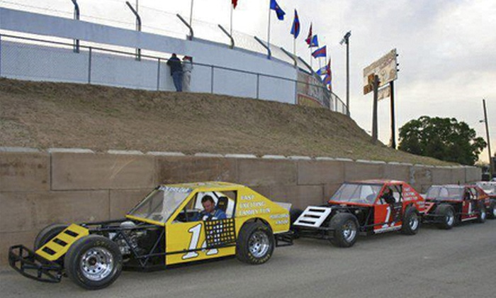Spectator Racing - Kaseberg - Kingswood: $25 for a 10-Lap Car-Racing Experience from Spectator Racing ($49.95 Value)