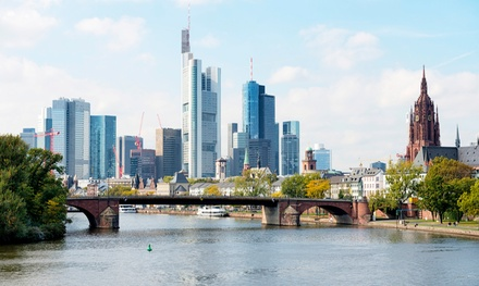 Frankfurt: 1 o 2 noches para 1, 2 o 3 con desayuno y entrada al zoo o bebida de bienvenida en Favored Hotel Plaza