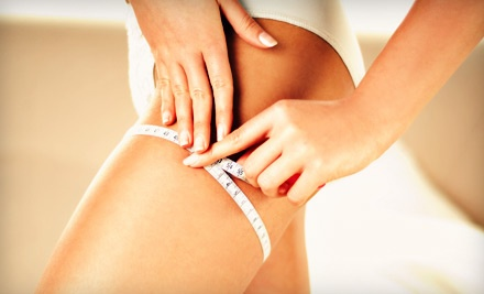 Medically Monitored Weight-Loss Plan or 4, 8, or 12 Lipotropic Injections at Oakmont Wellness Center (Up to 69% Off)