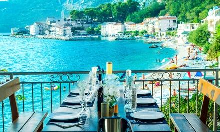 Croazia: fino a 7 notti  con colazione o mezza pensione + servizio spiaggia per 2 persone al Beach Hotel Plaza