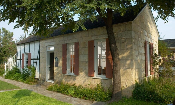 Fredericksburg Inn & Suites - Fredericksburg, Texas: 1- or 2-Night Stay for Up to Four in a King or Two-Queen Room at Fredericksburg Inn & Suites in Texas Hill Country