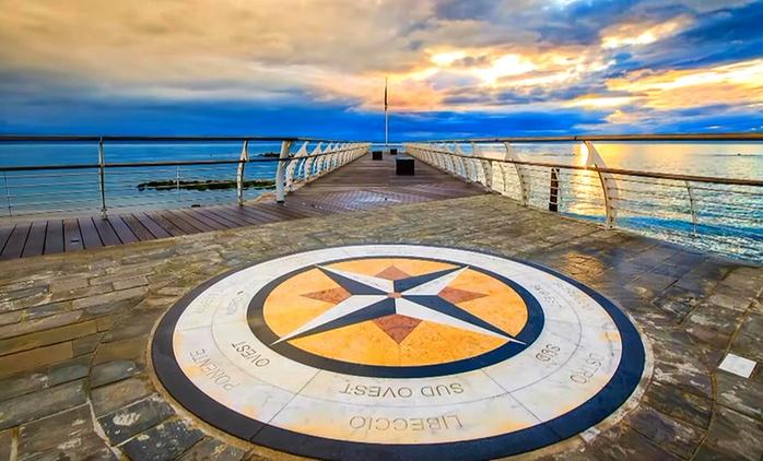 Pesaro, Hotel Cruiser 4*L - Fino a 7 notti con aperitivo, piscina, colazione o mezza pensione, Agosto incluso