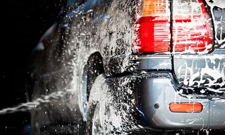 1 o 3 lavados exteriores de coche a mano desde 8 € o hazlos premium desde 16 €