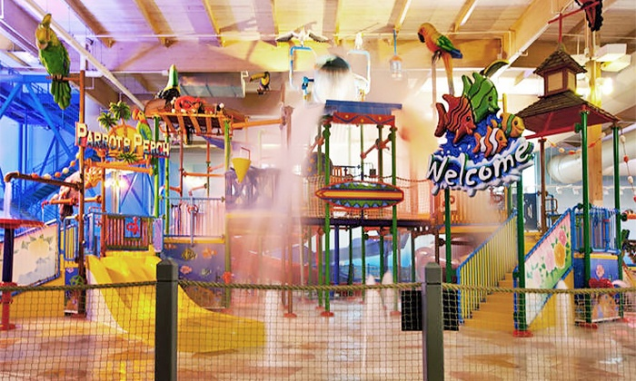 CoCo Key Water Resort - Sharonville: Single Pass or Family Four-Pack of Day Passes at CoCo Key Water Resort (25% Off)