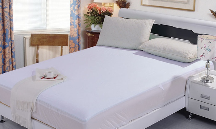 MattressDirect.ca: ViscoLogic Waterproof Mattress Protector from $27.99–$39.99 (Shipping Included)