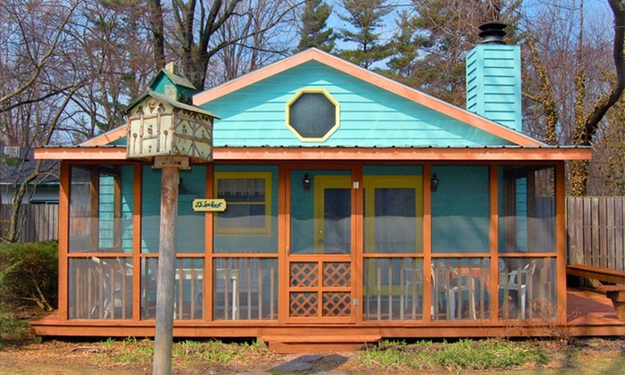 Pine Garth - Union Pier: 2-Night Stay at Pine Garth in Union Pier, MI