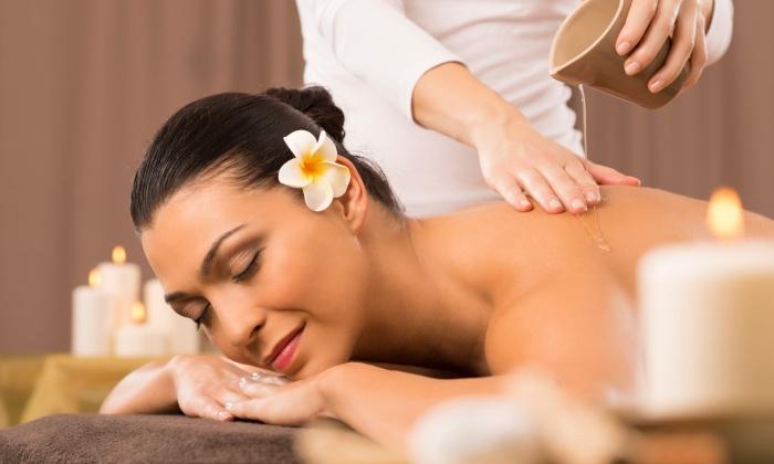 Hautnah - Rellingen: 30 Minuten Aromaöl-Rückenmassage bei Hautnah ab 17,50 € (bis zu 57% sparen*)
