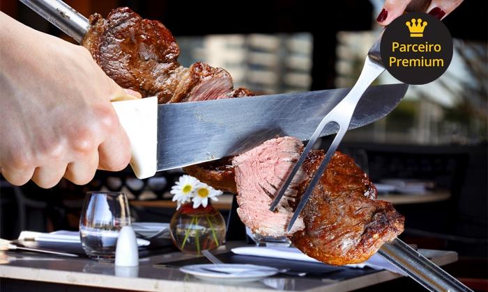 Castell Bianco - Curitiba: Castell Bianco – Cristo Rei: rodízio de carnes no almoço ou jantar, para 2 ou 4 pessoas, a partir de R$ 52,90