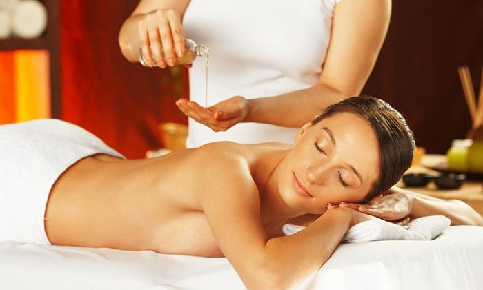 Bijouxx Day Spa - Hollywood: Organic-Oil Slimming, Swedish, or Prenatal Massage at Bijouxx Day Spa (50% Off)