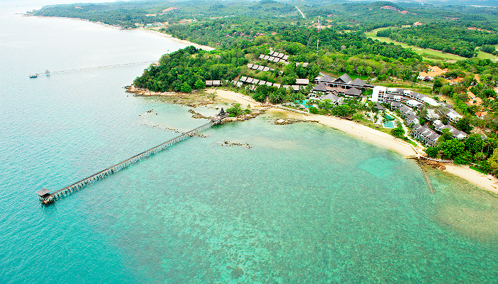 Batam 4* Turi Beach Resort + Ferry 1