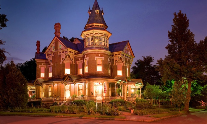 The Empress of Little Rock - Little Rock, AR: 2-Night Stay with Champagne and Truffles at The Empress of Little Rock in Arkansas