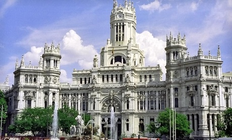 Visit Palaces and Sample Tapas on Trip to Spain