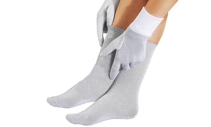 Metallic Thermal Gloves Or Socks Groupon Goods