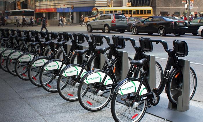 Bike Share Toronto - Toronto (GTA): One-Month or One-Year Membership to Bike Share Toronto (Up to 44% Off)