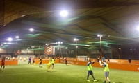 Huur een veldje voor één uur + 3 Liter Jupiler bij Urban Soccer Antwerpen