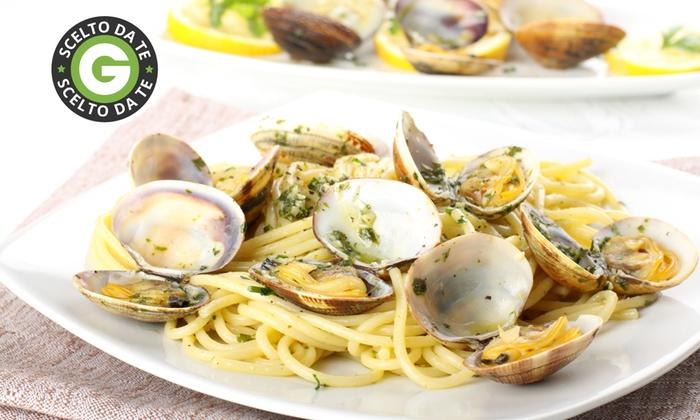 La Griglia - Oleggio (NO): Menu di pesce con 4 portate a scelta e vino da 29 € invece di 90,50