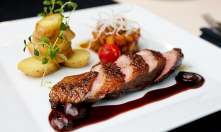 4-Gänge-Gourmet-Menü mit Dry Aged Beef, Barbarie-Entenbrust oder Seesaibling im Eventhaus in der Altstadt
