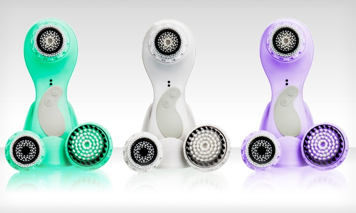 Episonic Facial-Cleansing Brush Kit: $54.99 for an Episonic Facial-Cleansing Brush in Green, Purple, or White ($189 List Price). Free Shipping and Returns.