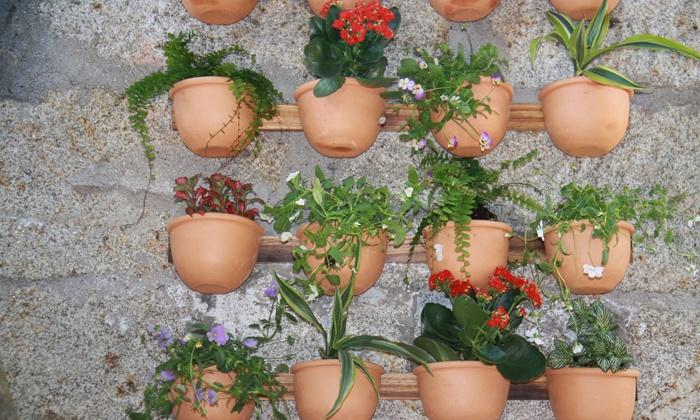 Une Jardiniere Verticale A Accrocher Au Mur Sur Une Cloture Ou Un Balcon Livraison Incluse