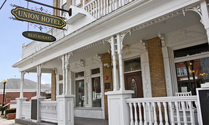 The Union Hotel - Everett, PA: Stay at The Union Hotel in Everett, PA. Dates Available into October.
