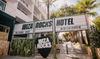 Ibiza: tweepersoonskamer met ontbijt en uitzicht op het zwembad