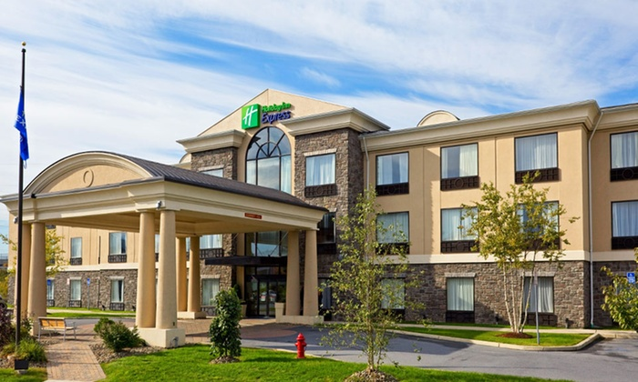 null - New York City: Stay at Holiday Inn Express Hotel & Suites Chester in Chester, NY