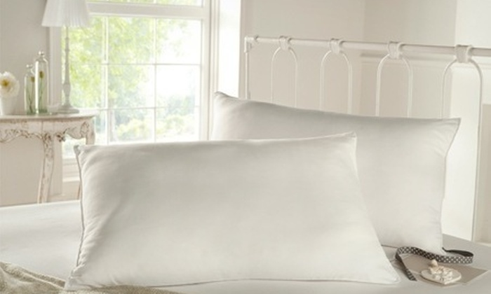 Groupon Goods Global GmbH: Silentnight Luxury Ultrabounce Pillows from £12.98 With Free Delivery (Up to 85% Off)
