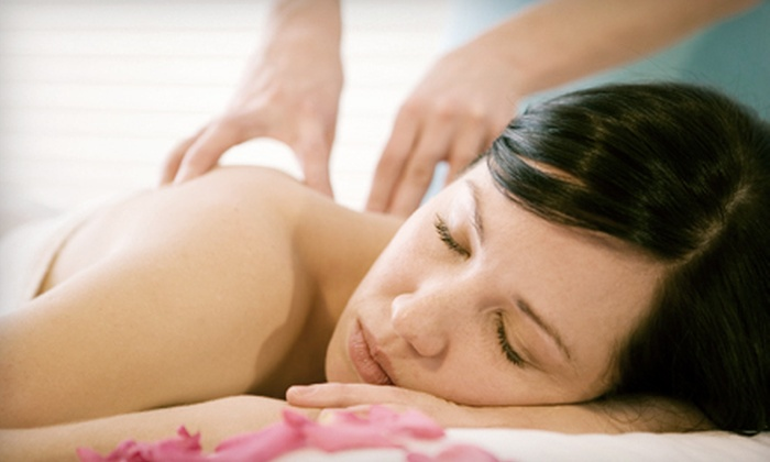 Contour Day Spa - Plantation: $89 for Loofah Body Buff and Citrus Seaweed Body Wrap at Contour Day Spa ($248 Value)