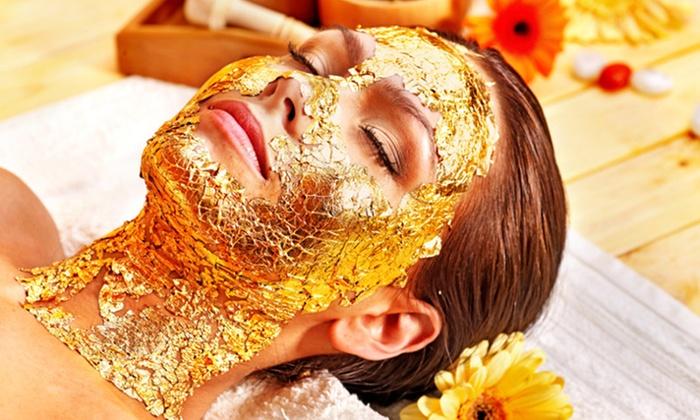 Uno o 3 trattamenti viso con oro, caviale e diamanti e massaggi nuca e viso da Aesthetica Spa (sconto fino a 94%)