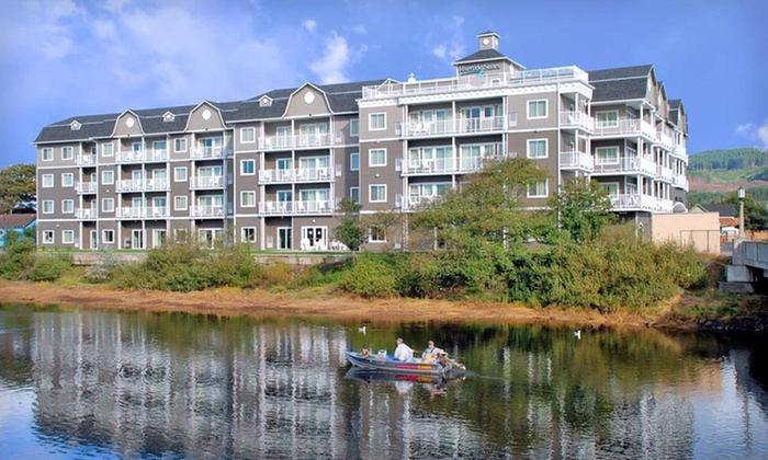 Rivertide Suites Hotel - Seaside, OR: One- or Two-Night Stay for Up to Six at Rivertide Suites Hotel in Seaside, OR