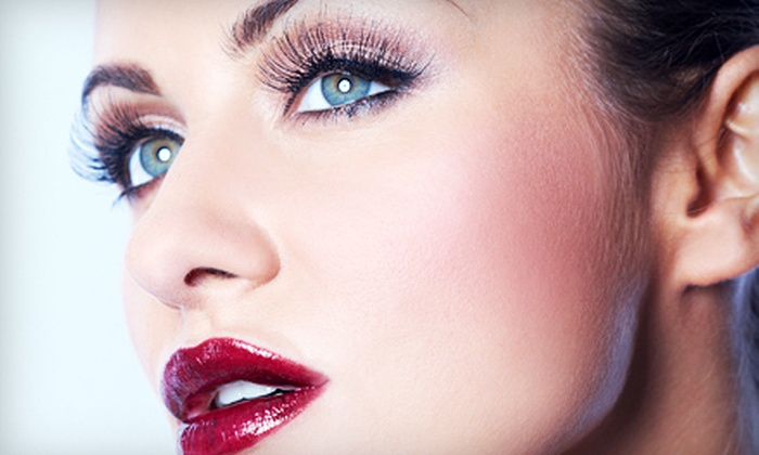 Plush Style Lounge - South tampa: $65 for a Beauty Package with Eyelash Extensions, Makeup, and Shampoo and Blow-Dry at Plush Style Lounge ($135 Value)