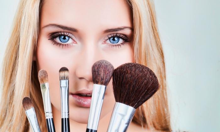 Sike Armonia e Benessere - SIKE ARMONIA E BENESSERE: Lezione di make up personalizzato per una o 2 persone da 14 € invece di 55