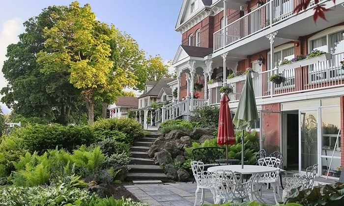 Niagara Grandview Manor - Niagara Falls, ON: 1-Night Stay for Two with Gift and Wine Tasting at Niagara Grandview Manor in Niagara Falls, ON. Combine Up to 5 Nights.