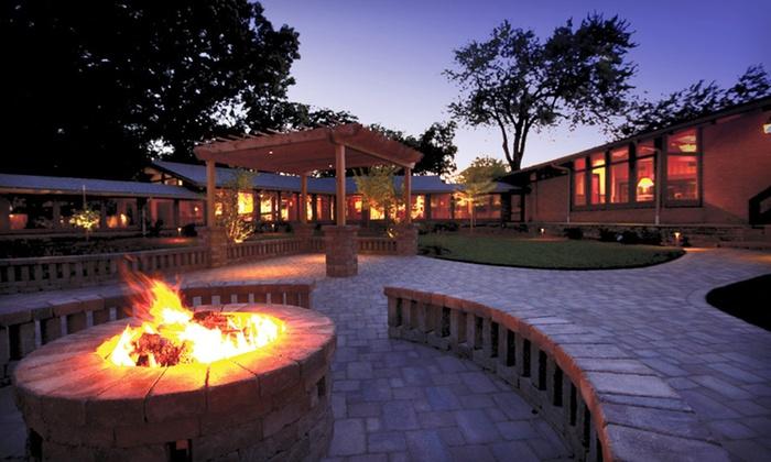 null - Rockford: Stay at Lake Lawn Resort in Delavan, WI