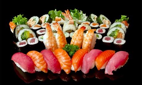 Menú japonés para recoger o a domicilio con entrante, 20, 30 o 40 piezas de sushi y botella de vino desde 19,90 €