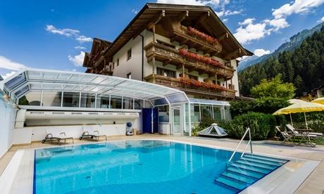 Zillertal: camera Romantic, solo pernottamento per 2 persone presso il Resort Gutshof Zillertal 4*