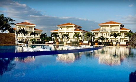 4-Star Beachfront Resort in Belize