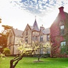Melbourne: Castle Stay with Breakfast