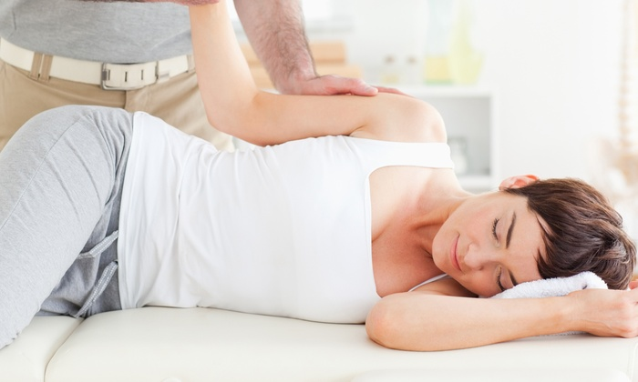 Healthsource Pasadena - Pasadena: $35 for a 60-Minute Massage and 20-Minute Chiropractic Consultation at Healthsource Pasadena ($165 Value)