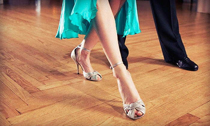 Dance Tonight - Minneapolis: $39 for Two 50-Minute Private Introductory Lessons and One Practice Party at Dance Tonight ($166 Value)
