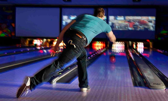Ed's Rec Room - West Edmonton Mall: One-Hour of Bowling for Up to Six with Optional Pizza and Pop at Ed's Rec Room (Up to 60% Off)