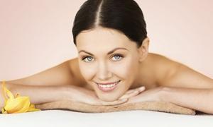 Centro Estetico Venere: 3 pulizie viso più 3 peeling estetici con acido mandelico al Centro Estetico Venere (sconto fino a 92%)