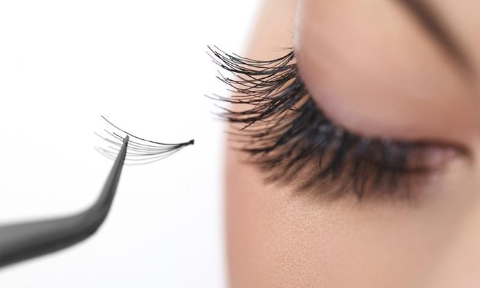 Salon - Pretoria: Eyelash Extensions and Two Week Fill at Salon