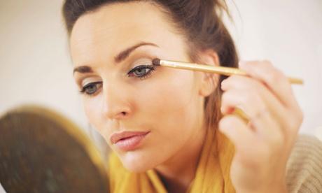2 sesiones de maquillaje profesional por 12,95 € o curso de automaquillaje para una o dos personas desde 14,95 € Oferta en Groupon