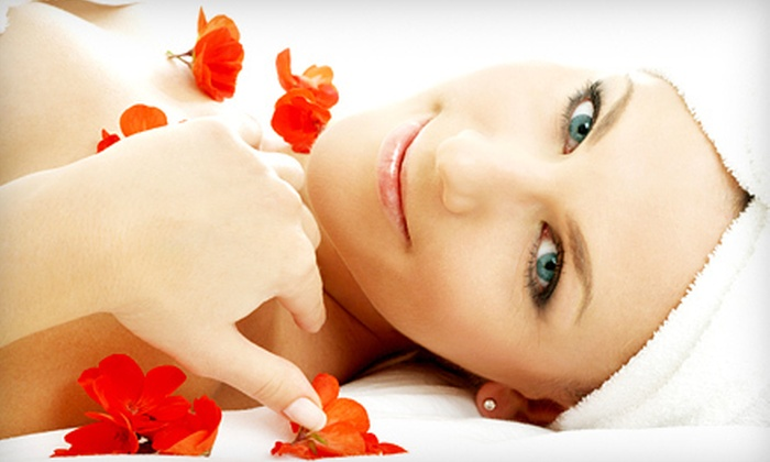 Evanesce Medispa - Southcrest: $35 for a One-Hour Floral-Bouquet Massage at Evanesce Medispa ($75 Value)