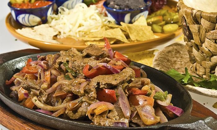 La Venganza de Malinche - La venganza de Malinche: Mexicano para 2 o 4 con degustación de 7 platos, cubo de cerveza nacional y mexicana y margarita o tequila desde 24,95 €