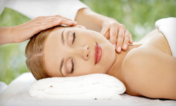 Shic Laser Skin & Spa - Burnaby Mountain: $75 for a One-Hour Hydrating Facial and a One-Hour Deep-Tissue Massage at Shic Laser Skin & Spa ($150 Value)