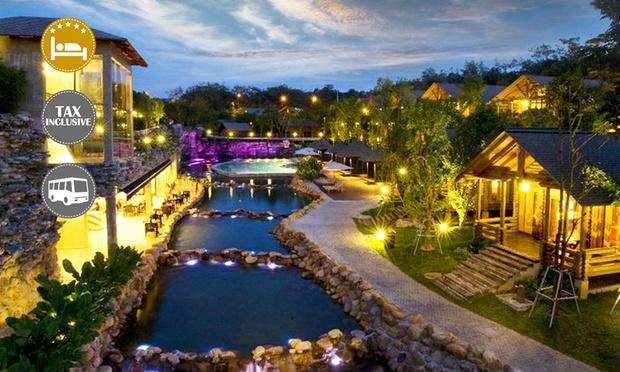 Malacca: 4* Philea Resort + Coach 0