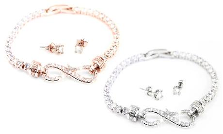 Conjunto de collar y pendientes Arabella adornados con cristales de Swarovski®