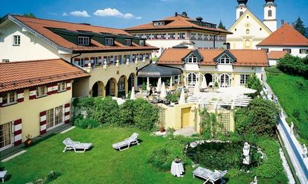 Chiemgau: 2 3 Nächte für 2 inkl. Frühstück, 5 Gänge Menü im 2* Restaurant und Wellness in der 5* RESIDENZ Heinz Winkler